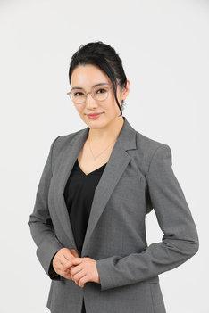 仲間由紀恵扮する吉沢葉子。