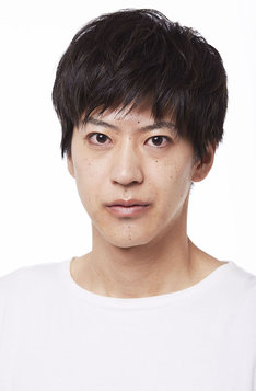 高岡哲生役の小沼将太。