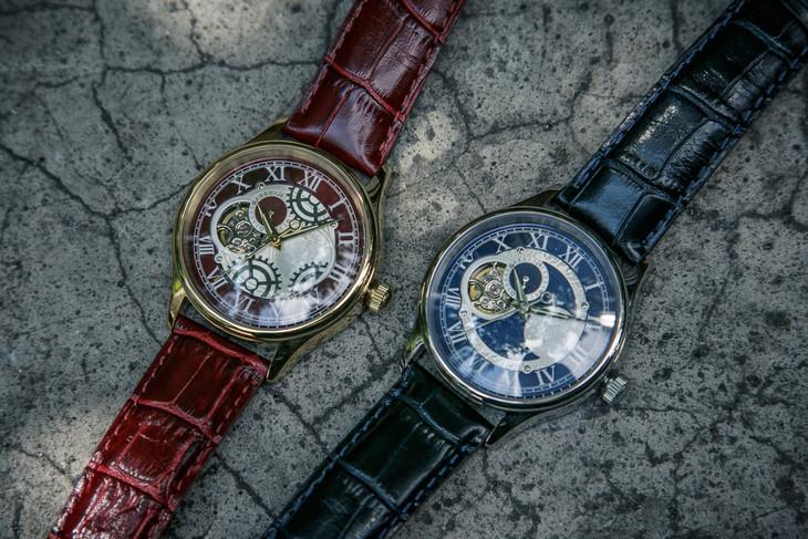 「鋼の錬金術師」をモチーフにした腕時計。