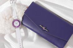 殺生丸モデルの腕時計と長財布。