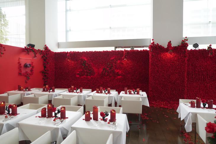 「喰種レストラン」の店内装飾。
