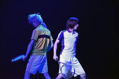 後藤大演じる仁王雅治と、皆木一舞演じる不二周助。