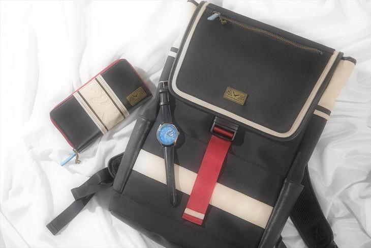 神尾観鈴モデルの腕時計、リュック、長財布。