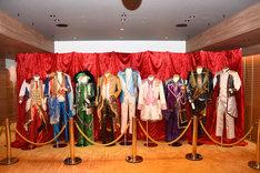 「KING OF PRISM -Shiny Seven Stars-」の共有ラウンジ「パーティールーム」の様子。
