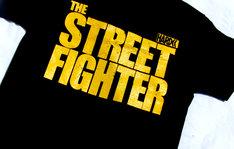 「激突!殺人拳」デザインTシャツ前面。価格:3800円。(c)東映