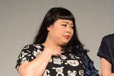 主演女優としての立ち居振る舞いを見せた渡辺。