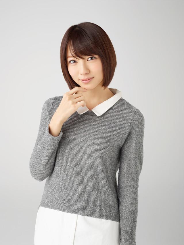 沖田葵役の小島梨里杏。(c)「先輩と彼女」製作委員会