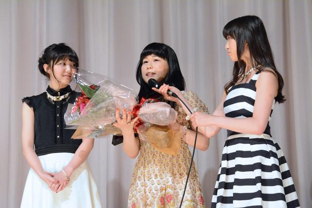 新人監督賞の山戸のために駆けつけた、東京女子流の山邊と新井。