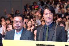 左から監督の中村義洋、桐谷健太。