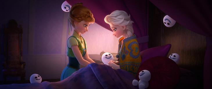 「アナと雪の女王/エルサのサプライズ」場面写真 (c)2015 Disney Enterprises, Inc. All Rights Reserved.