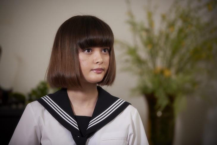 玉城ティナの制服画像