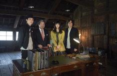 左から高良健吾、蒲島郁夫熊本県知事、橋本愛、行定勲。