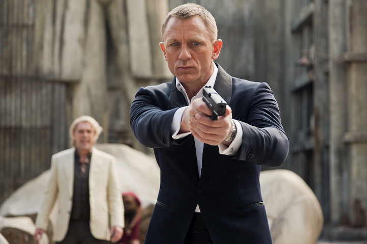 「007 スカイフォール」より、ジェームズ・ボンド役のダニエル・クレイグ。Skyfall (c) 2015 MGM, Danjaq. Skyfall, 007 Gun Logo and related James Bond Trademarks, TM Danjaq.
