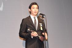 最優秀新進男優賞を受賞した野村周平。