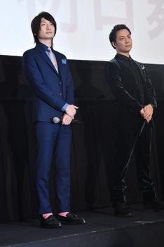 左から、七瀬遙役の島崎信長、橘真琴役の鈴木達央。