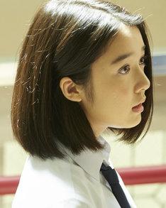 松永カナ役の上白石萌音。(c)2016「溺れるナイフ」製作委員会