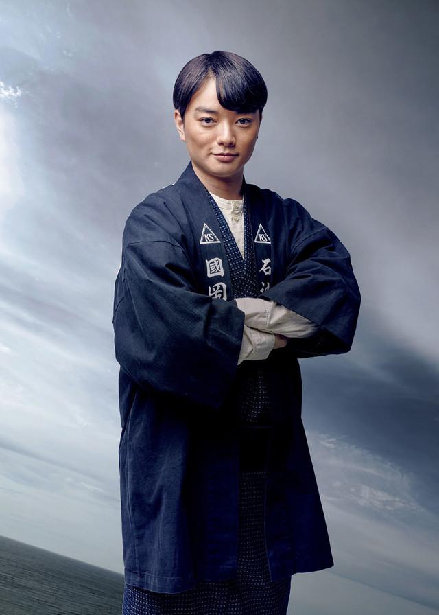 長谷部喜雄役の染谷将太。