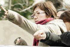 「彼らが本気で編むときは、」撮影現場での荻上直子。