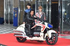 仮面ライダー生誕45周年記念&「仮面ライダー1号」大ヒット御礼イベントの様子。
