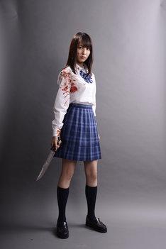 「人狼ゲーム プリズン・ブレイク」に主演する小島梨里杏。