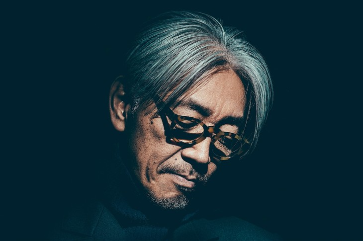 坂本龍一(Photo by Chad Kamenshinv)