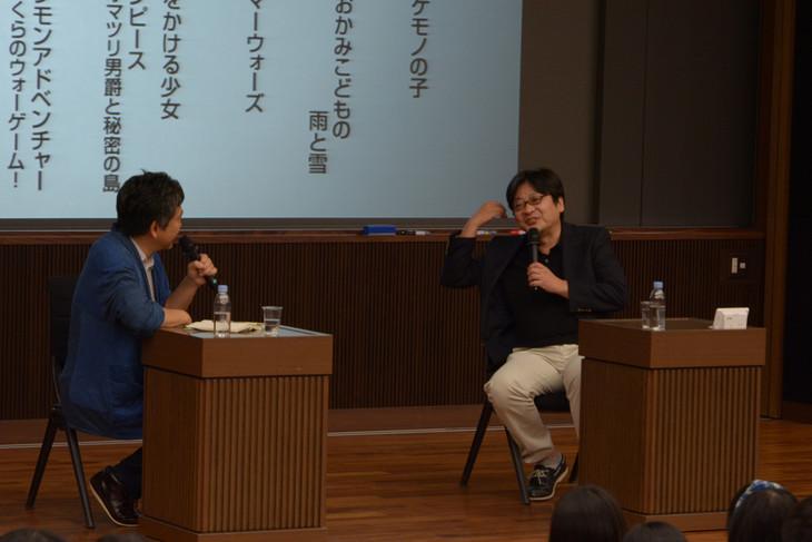 左から是枝裕和、細田守。