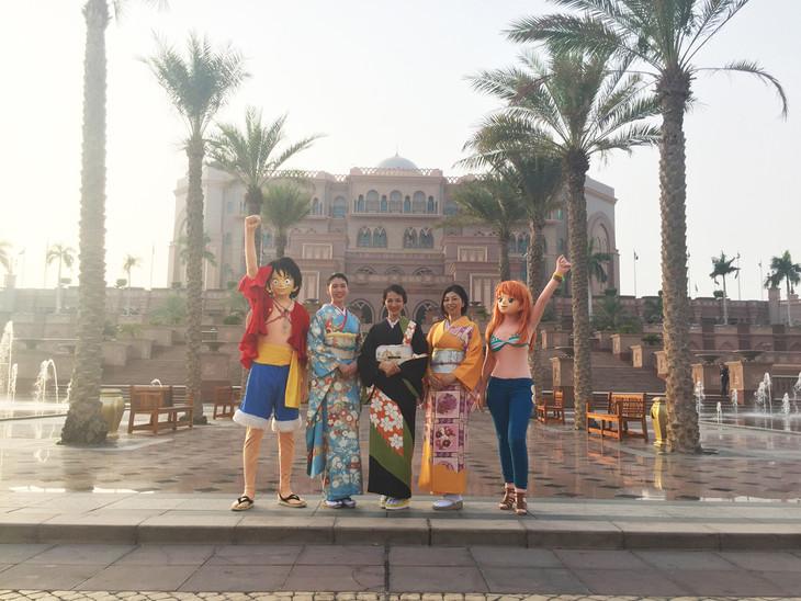 「ONE PIECE FILM GOLD」ゴールデンプレミアに出席した声優陣。左からルフィ、三吉彩花、満島ひかり、岡村明美、ナミ。