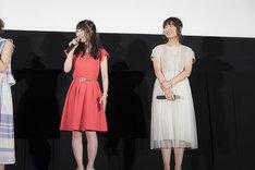 日高里菜(左)と赤崎千夏(右)。