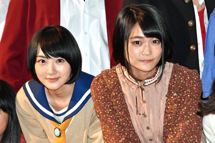 左から生駒里奈(乃木坂46)、石森虹花(欅坂46)。
