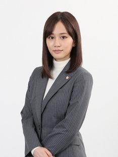 桜庭夏希を演じる前田敦子。