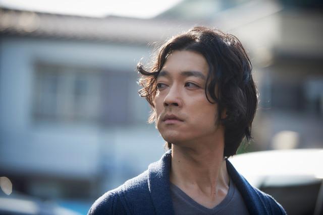 金子ノブアキが演じる三和明夫。