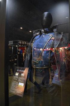 「鋼の錬金術師」の衣装。