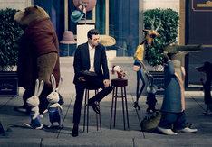 「SING/シング」セス・マクファーレン(左)とハツカネズミのマイク(右)。