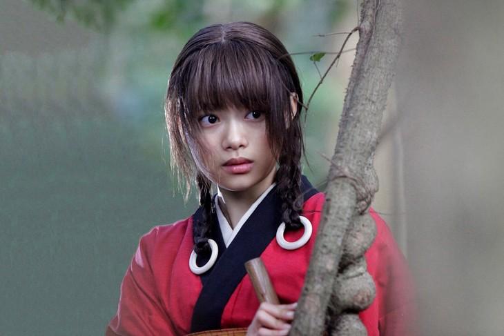 杉咲花演じる浅野凜。