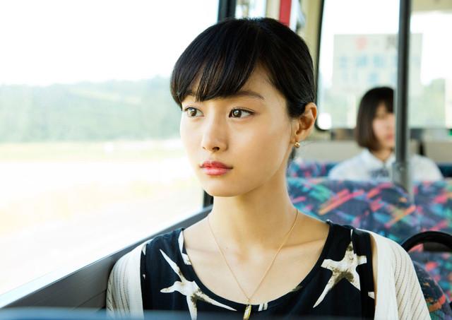 「ねこあつめの家」より、十和田ミチルを演じる忽那汐里。