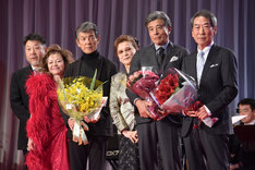 石原裕次郎賞表彰式の様子。