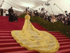 「メットガラ ドレスをまとった美術館」