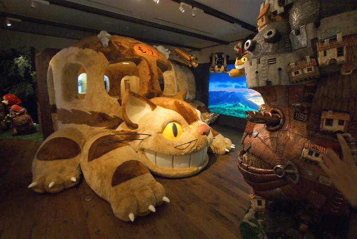 三鷹の森ジブリ美術館の企画展示「猫バスにのって ジブリの森へ」の様子。 (c)Museo d'Arte Ghibli (c)Studio Ghibli