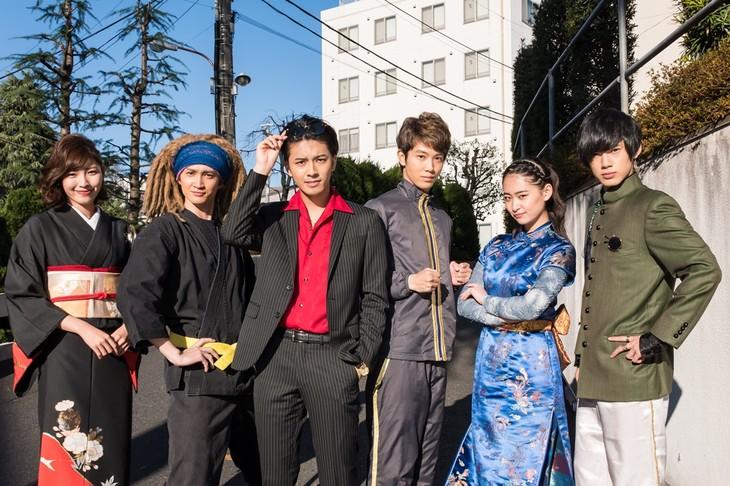 左から立石晴香、南羽翔平、中尾暢樹、國島直希、柳美稀、渡邉剣。
