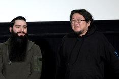左からジョーダン・ヴォート=ロバーツ、樋口真嗣。