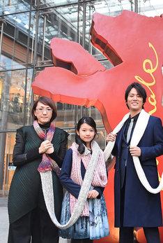 左から荻上直子、柿原りんか、桐谷健太。