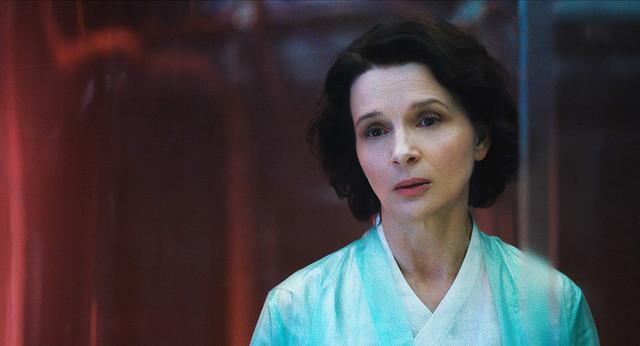 ジュリエット・ビノシュ演じるオウレイ博士。