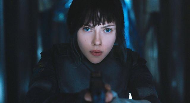 スカーレット・ヨハンソン演じる少佐。