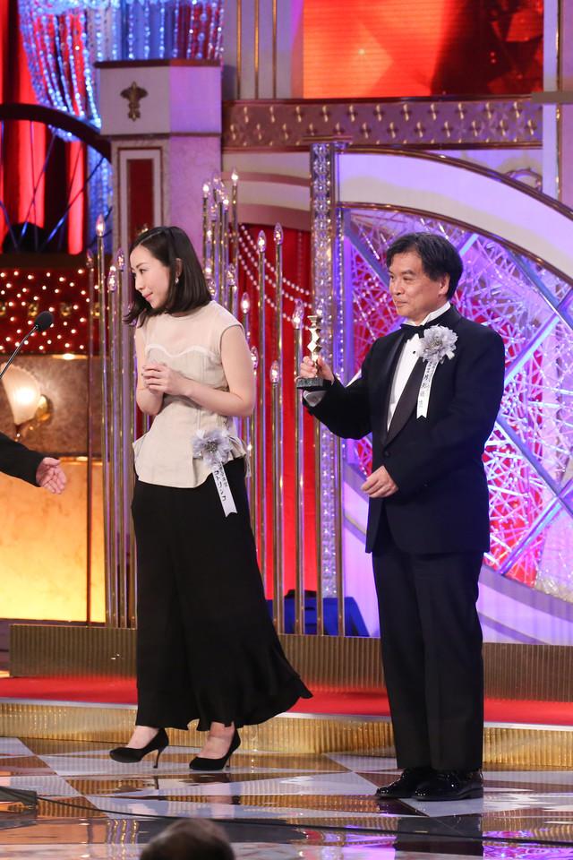 左からコトリンゴ、片渕須直監督。
