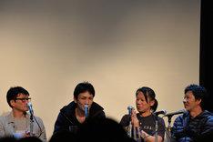 左から小沢和義、下村勇二、森崎えいじ、田渕景也。