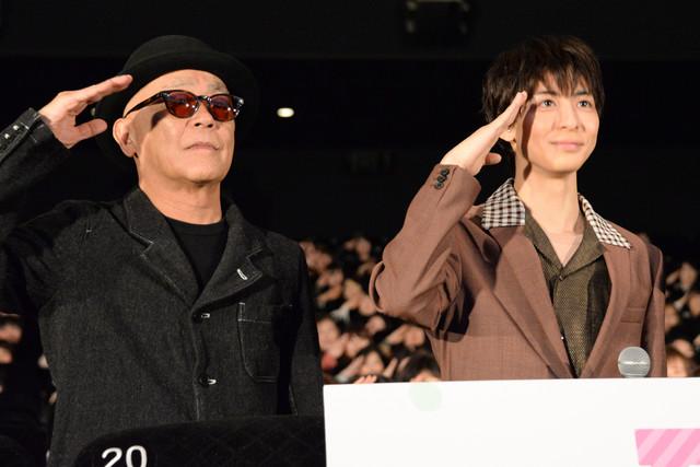 左から廣木隆一監督、高杉真宙。