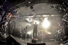 "TOTALFAT「TOTALFAT 17th Anniversary ""FAT CLUB REQUEST LIVE""」の様子。(Photo by AZUSA TAKADA)"