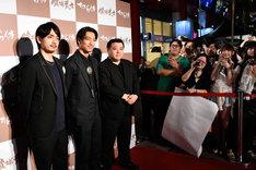 「たたら侍」台湾プレミアの様子。左から青柳翔、AKIRA、錦織良成。