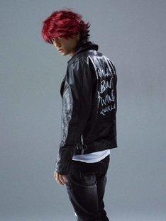 「デメキン」にて、健太郎が演じる佐田正樹。