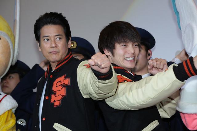 左から唐沢寿明、窪田正孝。